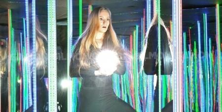 Посещение зеркального лабиринта Pikabolo всего за 100 рублей. Мир новых эмоций ждёт тебя!